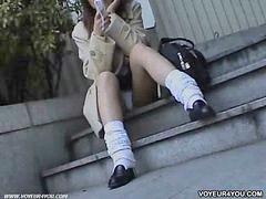 Bertubuh, Celana dalam wanita, Dibawah umur