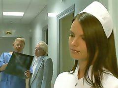 ممرضه هنديه, ممرضات شقراوات, مرضعات شقراوات, س ممرضات, ممرضات شقراء, تصعق
