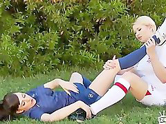 Soccer, Foot play, Playing soccer, Play soccer, Soccers, Soccer girl
