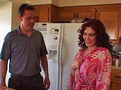 Tamu dan aku, Ibu rumah tangga