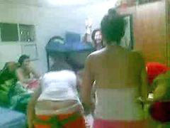 Arabic girls, Arabic girl, Arabic girl playing, Play girls, Girl playing, Girl arab