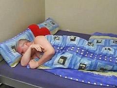 على السرير, جراند, عل السرر, سرير, الجد م الجد, الجد م