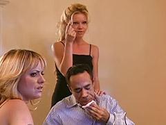 Vaginas de rubias, Trio masturbandose, Recibiendo, Mamada de verga, Lenceria