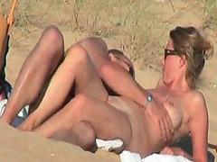 مخفي على الشواطئ, مخفي شواطئ, فيد, شواطئ فرنسية, زوجان مخفي, الازواج شاطىء