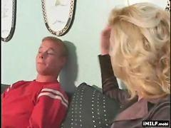 Vecina}, Madres seducidas, Madre seducida, Vecinas, Joven con madre, Vecina