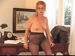 Külotlu çoraplı, Kıllı, Külotlu çorap, Büyükanne