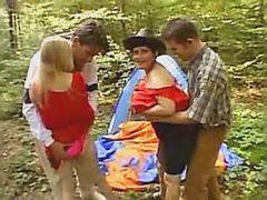 عائلة تلصص, في الغابه, ممتع عائلة, غابات, ح في الغابه, العائله ال