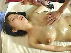 Pijit oil massage, Pijat besar, Memijat pussy, Memek dipijat, Jepang dipijit, Jepang aku dan aku