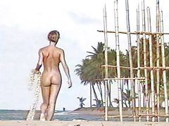 Bugil, Pantai