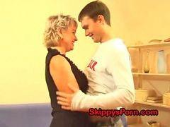 Rus oğlu sikiyor, Rus oğlu, Rus annesini sikiyor, Oğlu annesini, Oğlu annesi annesi oğlu, Oglu annesini annesi oglu