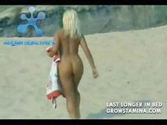 Cogiendo en la playa, Rubias cojiendo, Se la folla en la playa, Nudista cojiendo, Follando con rubias, Nudista en la playa