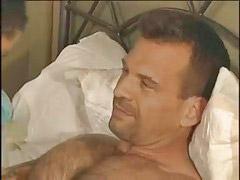 Desnudas se desnuda desnudos, Papás, Espera, Cama, Papá, En la cama