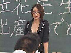 일본교사, 침 뱉기, 일본 페이스, 교생, 선생과학생, 일본 여선생