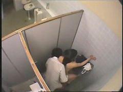 Vệ sinh công cộng, Đi vệ sinh