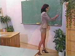 Nailes, Quần bó, Giáo viên