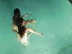 Piscina ninas, Piscina de niñas, Niñas en albercas, Niñas emos, Niña en piscina, Jovencitas en una piscina