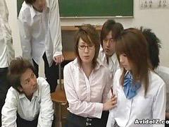 Öğretmeni sikiyor, Tacizci, Taciz, Japon