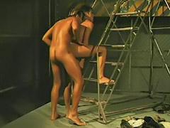 Sedang melakukan sex